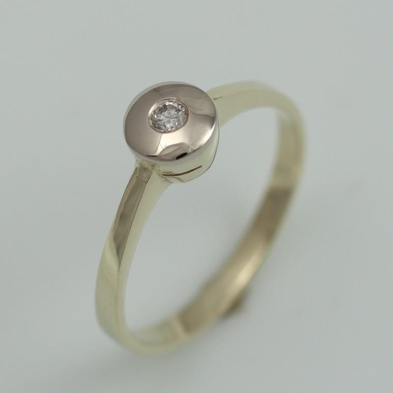 c1f3dfeecd2 Zlatý prsten s briliantem.